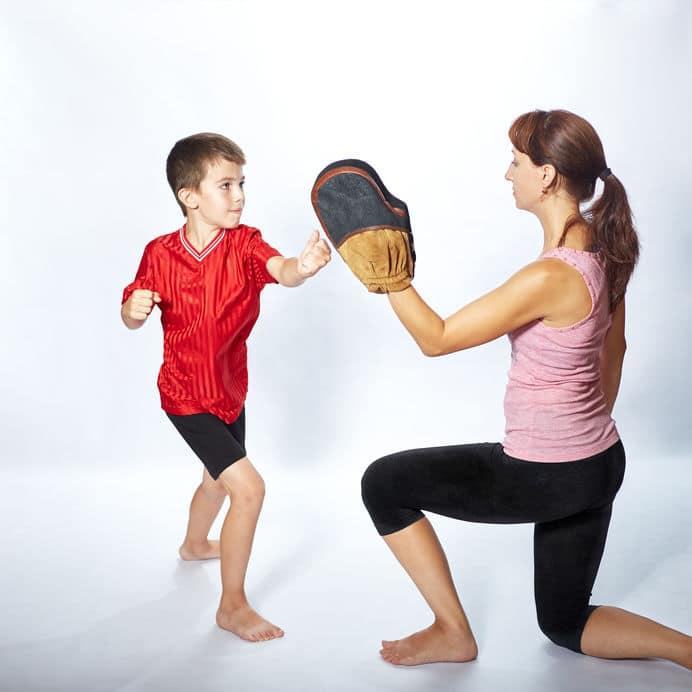Mutter mit Kind beim EL-KI-DO Eltern Kind Karate in Remscheid